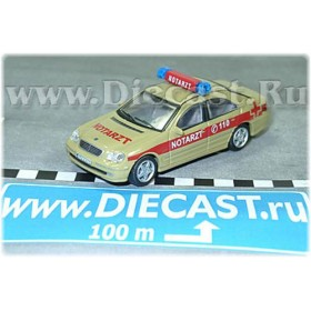 Mercedes Benz C Class German Ambulance 1:72 D72H1282