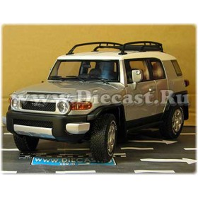 Toyota Fj Cruiser Limited Edition Out Of Production Now Color Silver 1:18 D18R1994