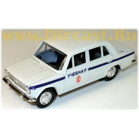 Lada Vaz 2101 1200 Russian Driving School Car 1:43 D43R0445