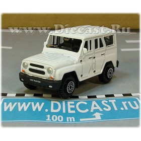 Uaz Hunter 31519-095 Suv 4x4 Off-Road Aka Russian Jeep Gelaendewagen Color White 1:60 D60W1813
